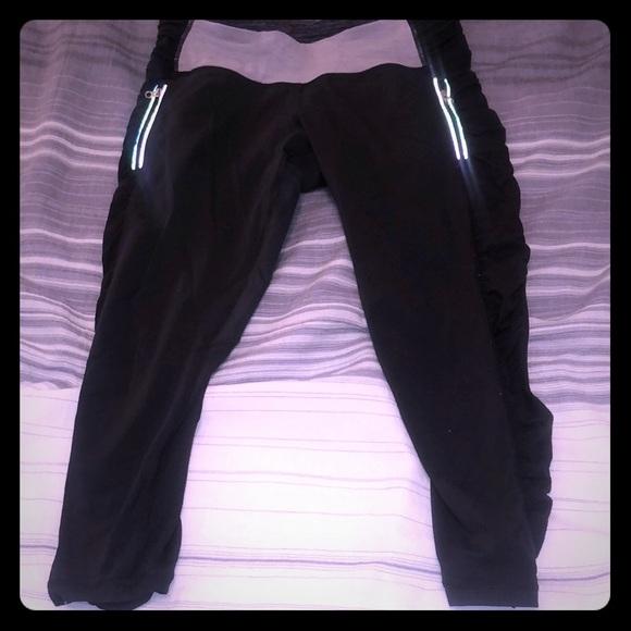 lululemon athletica Pants - Lululemon size 6 run inspire crop